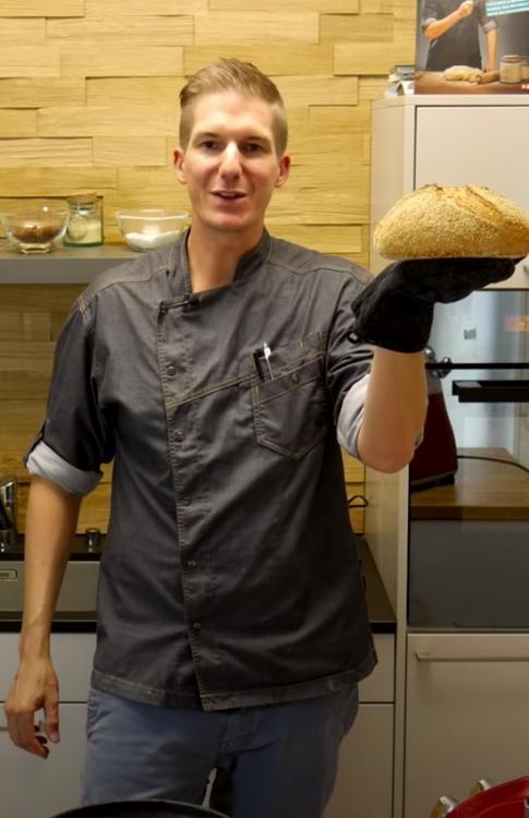 Goldhirse Brot mit knuspriger Kruste