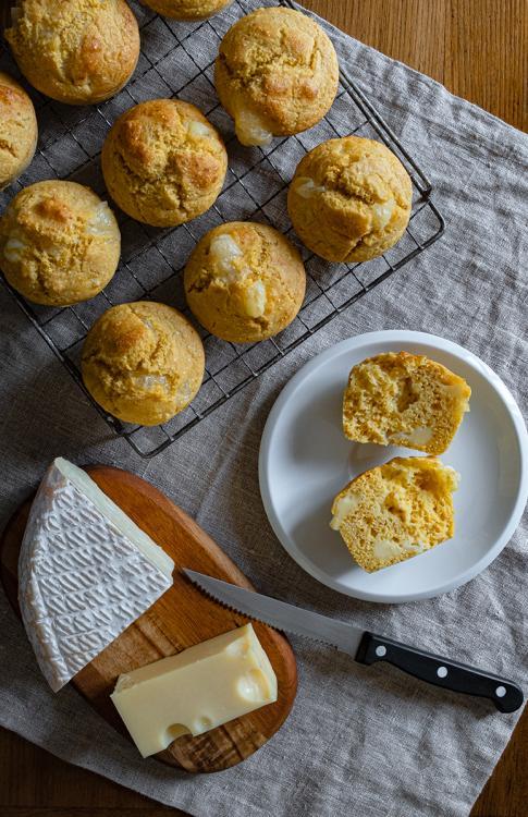 Muffins alla polenta e formaggi